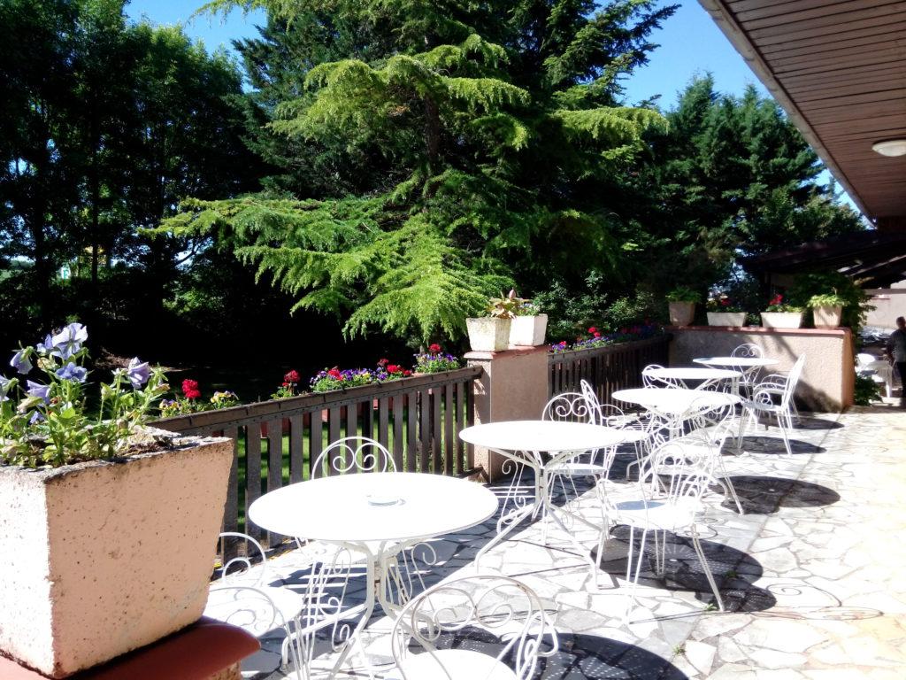 relais frejeroques restaurant terrasse