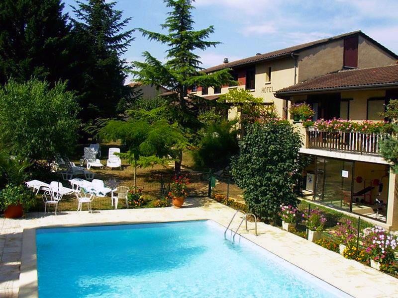 Hôtel piscine Relais de Fréjeroques